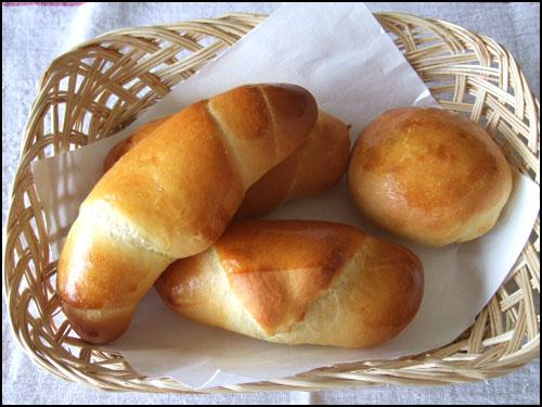 ホシノ・キタノカオリでロールパン